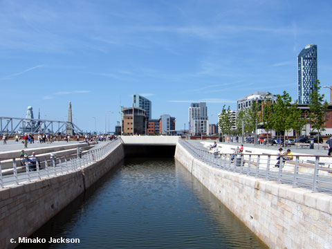 liverpool-pier-head-canal