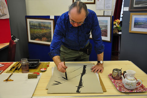 Robert Jackson demonstrates painting Bamboo (painiting)