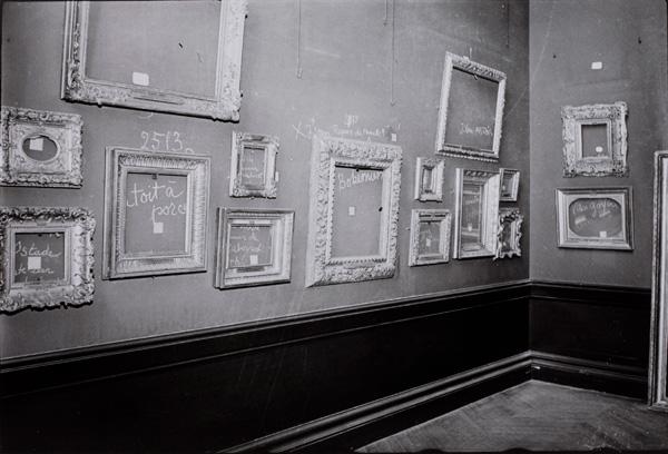 Paul Almasy Louvre Paris 1942