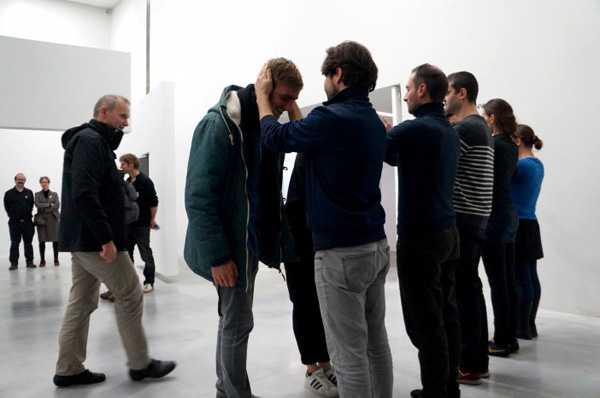 Alexander Pirici and Manuel Pelmuş – Public Collection 2014 – enactment of Plight Joseph Beuys © Alexander Pirici 2014