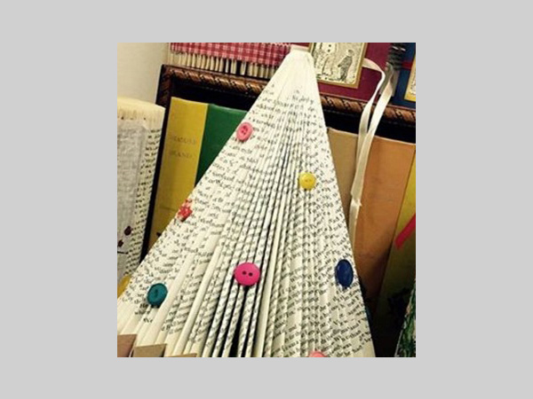Victoria Gallery: Crafternoon - Book Christmas Tree