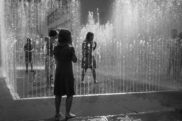 ʻChildren Playing, Southbank, London' (2014) B&W photograph.  Rena Pearl ABIPP