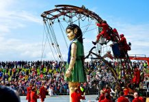 Sea Odyssey Giants 2012. Photo c. artinliverpool