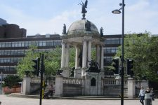 Victoria_Monument,_Derby_Square,_Liverpool_(1)