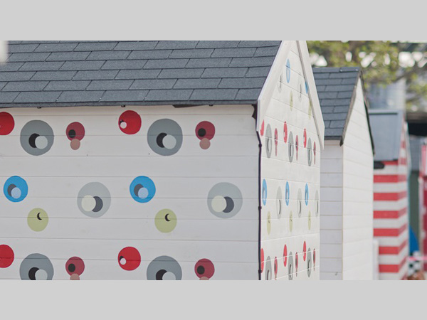 Metal Presents Beach Huts for Festival of Business