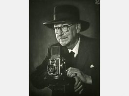 Edward Chambre Hardman with Rolleiflex, taken by Mrs Hewlett in 1969
