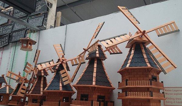 Tate Liverpool: The Tilting at Windmills