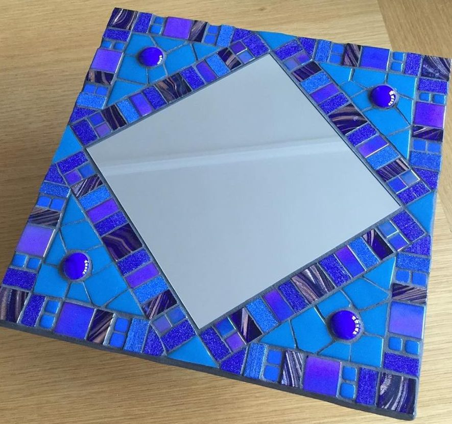 Williamson Art Gallery: Make a Mosaic Mirror
